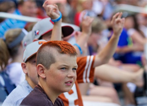 Texas Longhorns fans. (Photo: Shotgun Spratling)