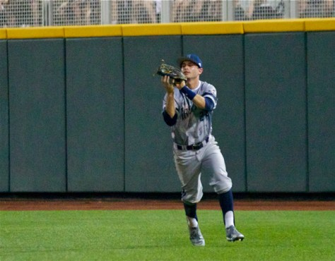 Kris Paulino comes in to make a catch in RF. (Photo: Shotgun Spratling)