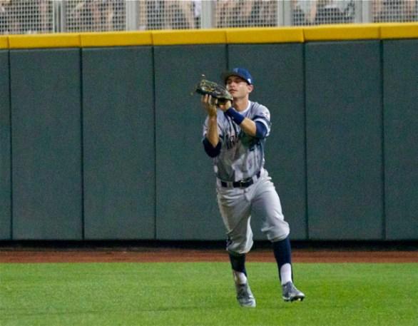 Kris Paulino comes in to make a catch in RF. (Photo: Shotgun Spratling)