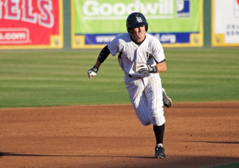 Garrett Hampson takes off for 3B. (Photo: Shotgun Spratling)