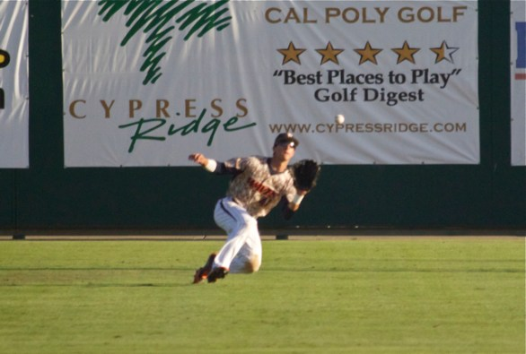 Brandon Caruso makes a sliding catch. (Photo: Shotgun Spratling)