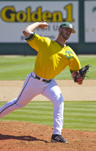 Sutter McLoughlin needed only nine pitches in his inning. (Photo: Shotgun Spratling)