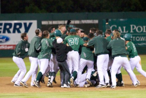 Cal Poly celebrates the walk-off win. (Photo: Shotgun Spratling)