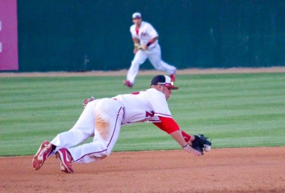 Tyler France knocks down a ball. (Photo: Shotgun Spratling)