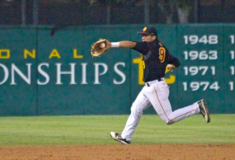 Frankie Rios tries to stop the game-winning hit. (Photo: Shotgun Spratling)