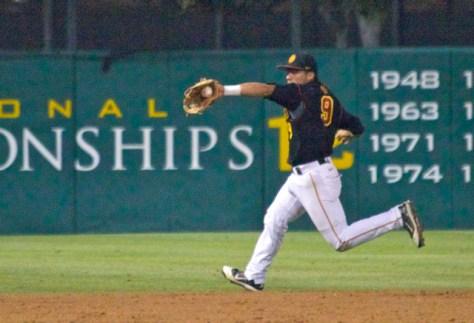 Frankie Rios tries to stop the game-winning hit. (Photo: Shotgun Spratling)