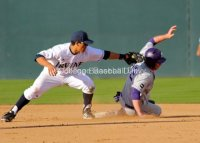Chris Rabago tries to apply the tag.