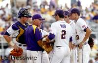 LSU extends Paul Mainieri through 2017 Season