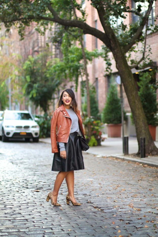 new york city fashion blogger new york blogger new york style blogger black fashion blogger fashion blogger new york fashion blogger black fashion blogger fall outfit fall look fall fashion fall style what to wear for fall fall fashion brown leather jacket coach brown leather jacket black midi skirt black midi leather skirt black leather midi skirt