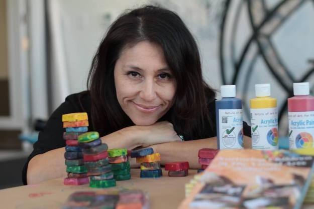 Recycling Unwanted Crayons |Restaurants | Schools | Amazing Company