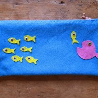 A tutorial on making a simple hand sewn felt pencil case