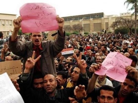 lavoratori delle due maggiori fabbriche tessili, Kafr al-Dawar Textile Company et Misr Spinning and Weaving Company, in sciopero