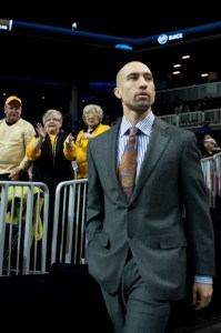 Shaka Smart's contract includes a $10,000 clothing allowance each year.  Photo by Chris Conway