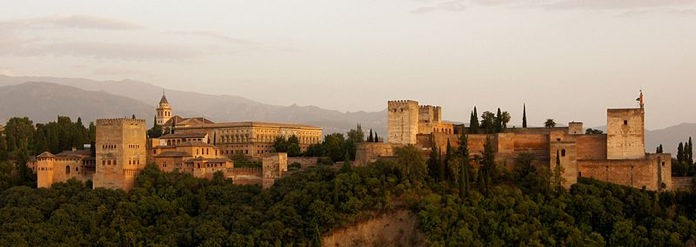 800px-alhambra_in_the_evening