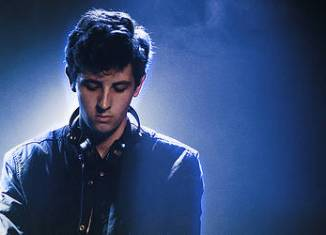 All under one roof raving - Jamie XX (video)