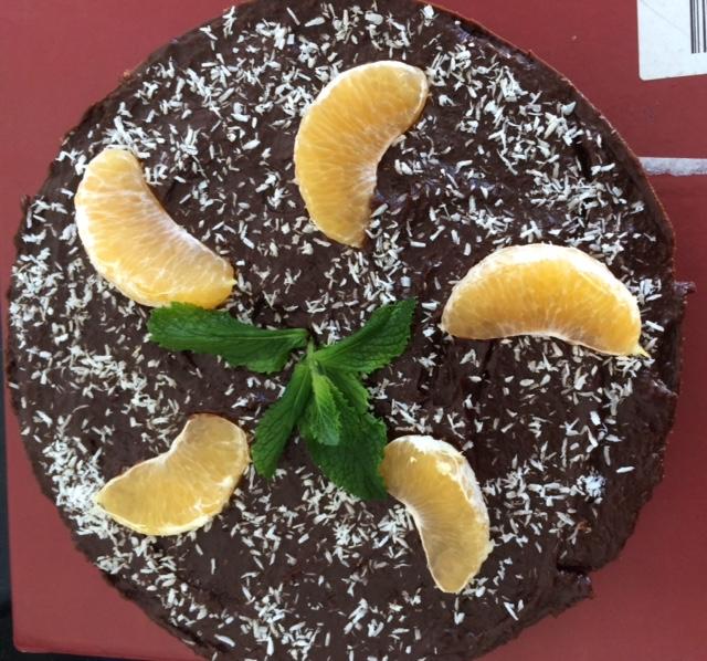 Raw vegan cake. Tanpa gula, tanpa di oven, tanpa telur, dan gluten free.