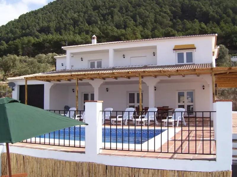 malaga holiday villa rental vinuela lodge