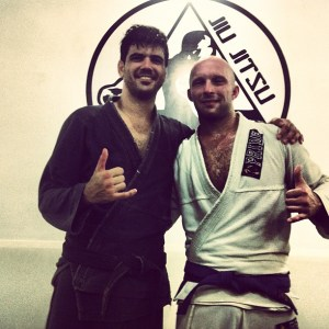 Lee with Gordo black belt Thiago, always one to help out
