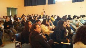 Studenti e docenti interessati in ascolto