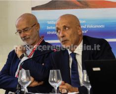Cities on Volcanoes COV 10, il Sindaco di Pozzuoli Vincenzo Figliolia a destra e il Dirigente  di Staff del Dipartimento delle Politiche territoriali Massimo Pinto a sinistra