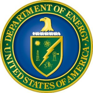 DOE logo. Did the DOE improperly lend money to Solyndra under White House pressure?