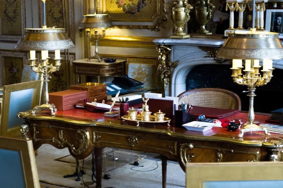 Bureau de nicolas sarkozy au palais de l elys e cr dits for Bureau licence
