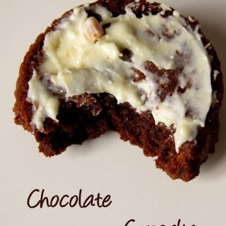 Chocolate Cupcakes with White Chocolate Frosting – Step by Step Recipe