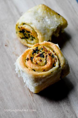 Eggless Garlic Rolls Recipe