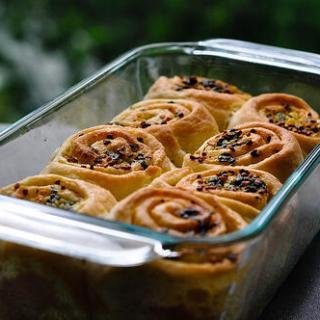 Garlic Pull-Apart Rolls Recipe – Step by Step – Eggless Garlic Rolls Recipe