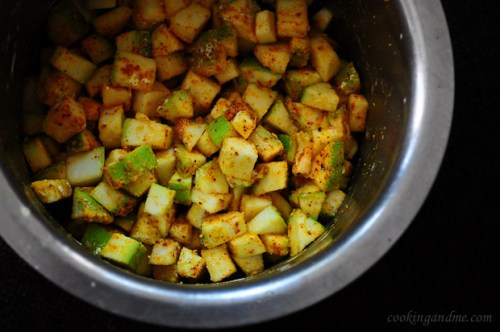 Zucchini Besan Sabji, Zucchini Besan Curry, Jain Recipes