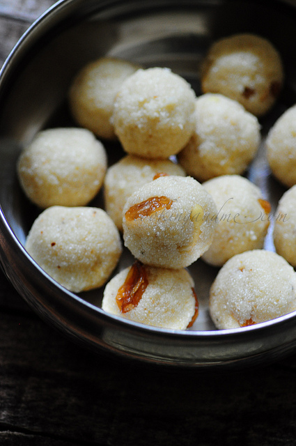 Rava Ladoo-Rava Laddu Recipe-Diwali Sweets Recipe