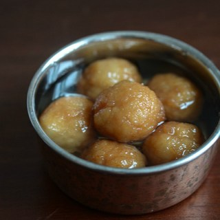 Bread Gulab Jamun, How to make Gulab Jamuns with Bread