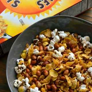 Popcorn-Cereal-Trail-Mix-perfect-snack-for-movies.jpg