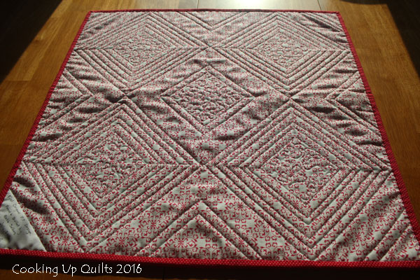 Quilting Detail - Paper Pieced table Topper