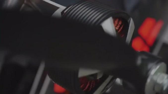 revolt-drohne-gleitschirm-motorgleitschirm-paramotor-1