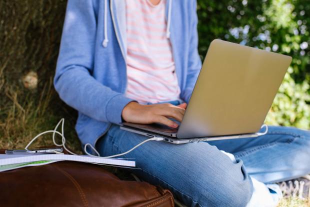 linedock-laptop-macbook-powerbank-externe-festplatte-4
