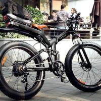 Ein vollgefedertes Fatbike als Klapprad mit Elektromotor