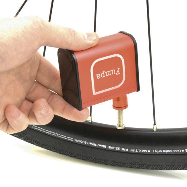 Fumpa - die elektrische Luftpumpe für die Trikottasche