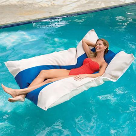 floating-pool-club