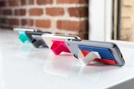 - speck grabtab - Speck's GrabTab is a revolutionary grip assist accessory » Coolest Gadgets