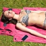 Hi-Sun Beach Towel with built-in speakers