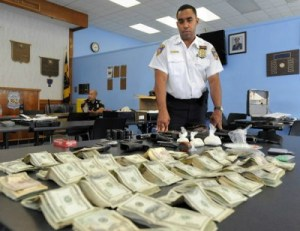 Police Seize Life Savings From Man Because He Had It In A Shopping Bag