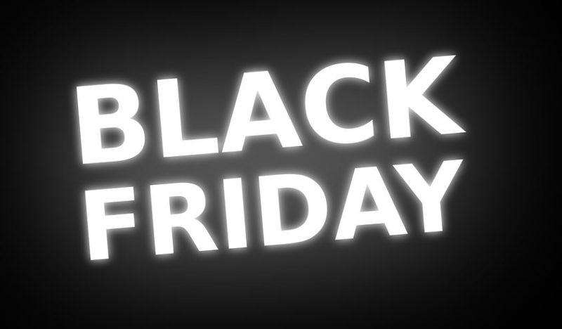 Il Black Friday al Gherlinda anticipa i saldi estivi fra sconti e spettacoli