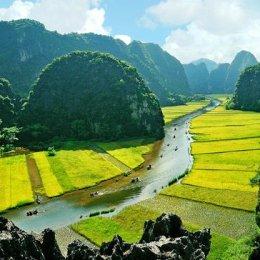 Ninh Binh, Vietnam  il fiume della serenità