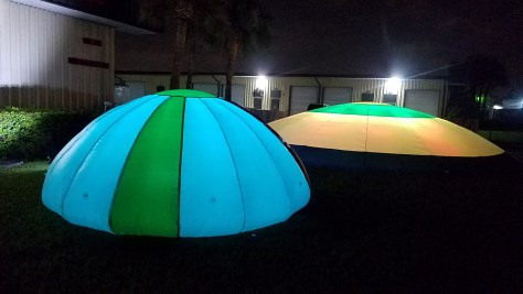 Night golf target lights for the driving range