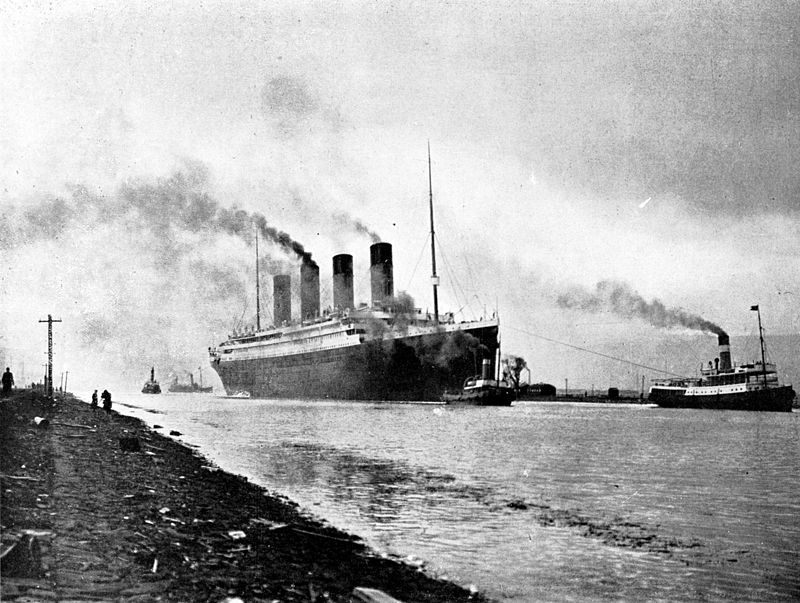 800px-RMS_Titanic_sea_trials_April_2,_1912
