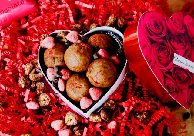 triple berry cocoa cake bites (GF) - @cottercrunch #dessert #valentinesday