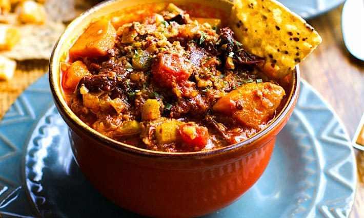 crock pot sweet-potato-chipotle-chili-(PALEO)