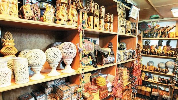 Kashmiri-handicrafts