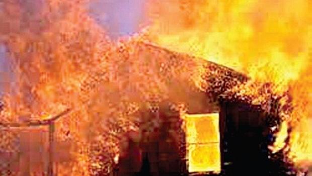 dalit-houes-burnt